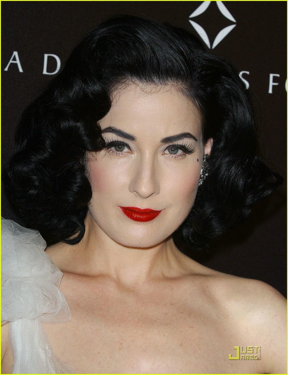 dita von teese diamond dinner 13949241
