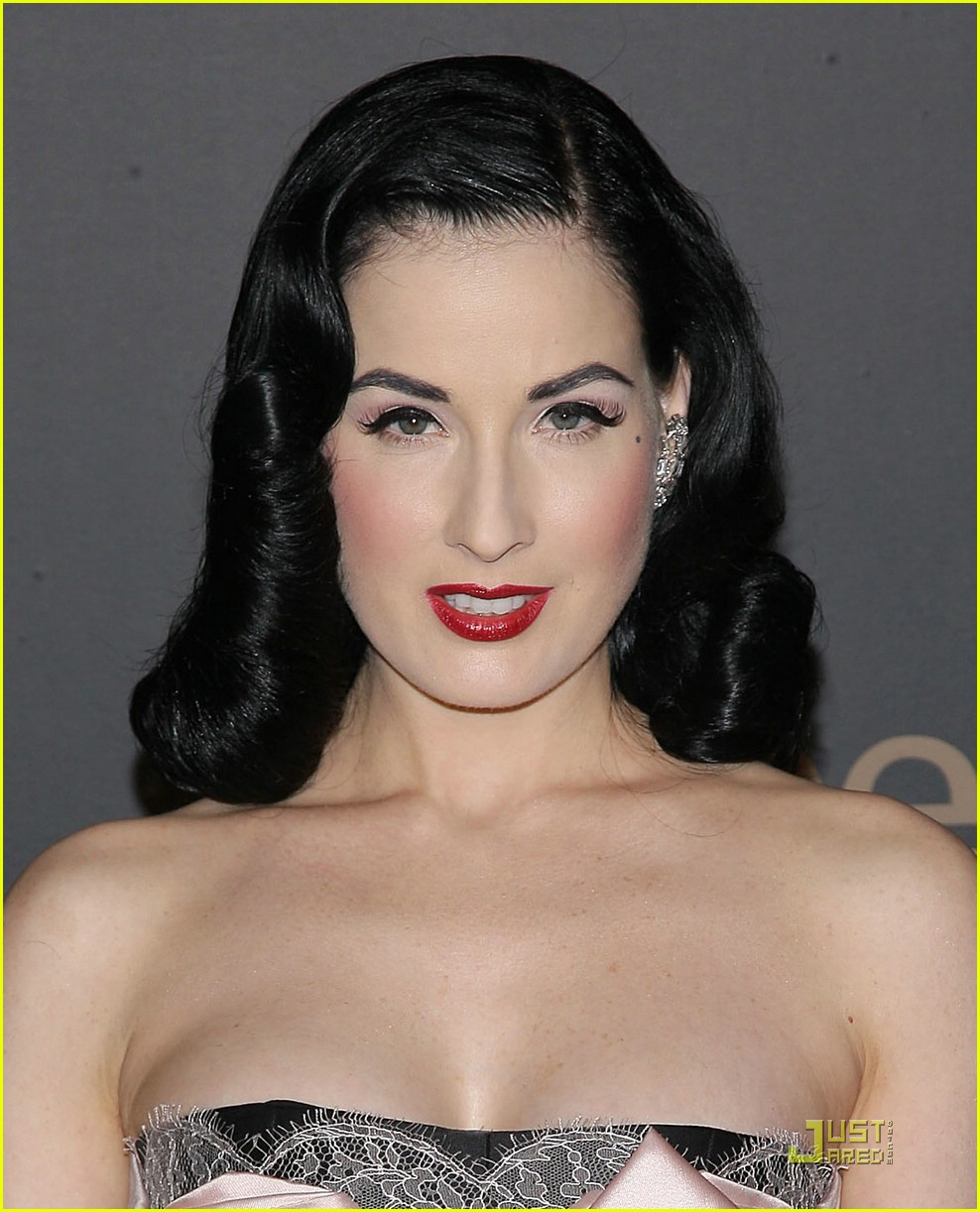 dita von teese night to benefit raising malawai unicef 04