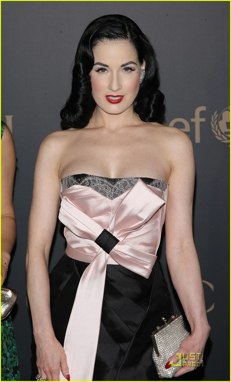 dita von teese night to benefit raising malawai unicef 09