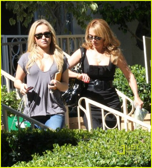hayden panettiere apartment hunting 05