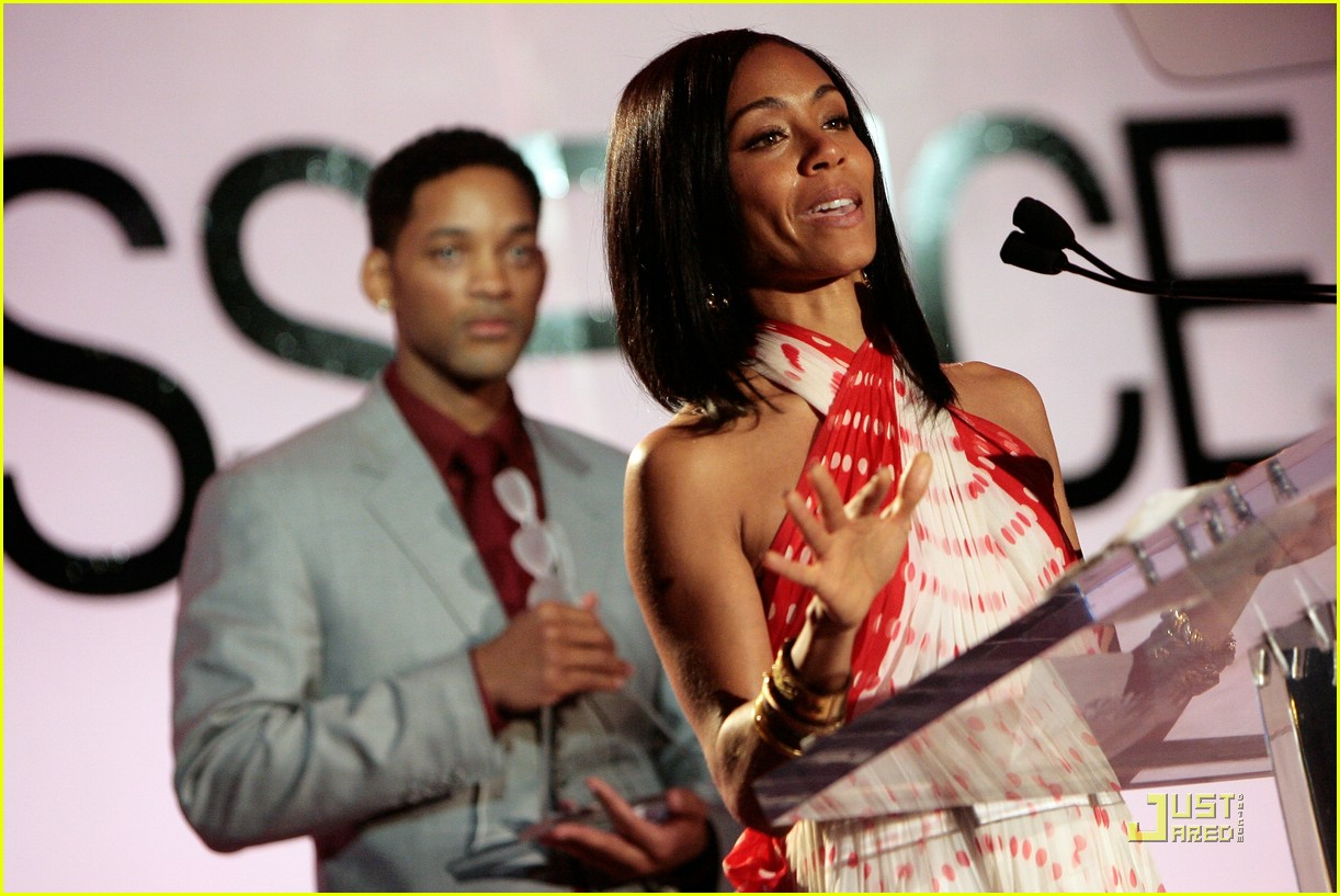 jada pinkett smith honored by essence 11947141