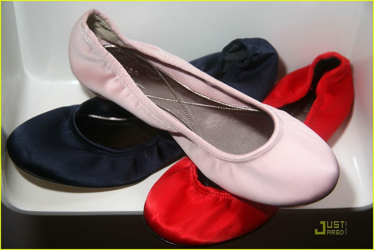 Natalie Portman Never Wears Leather Shoes