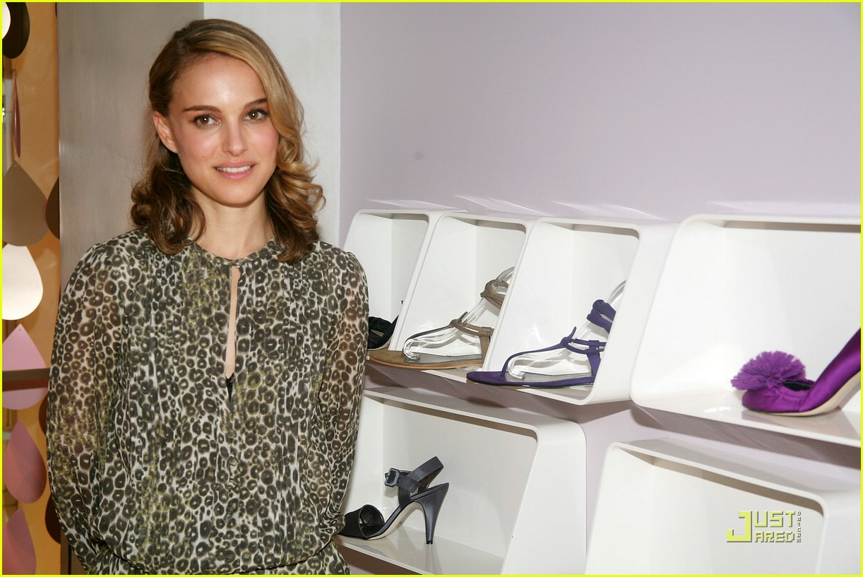 natalie portman vegan shoes 18929291