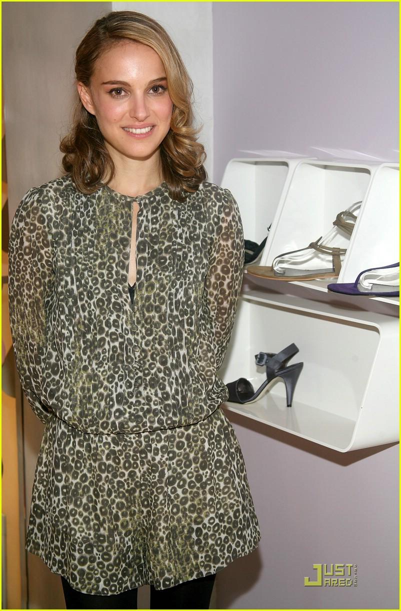 natalie portman vegan shoes 23929341