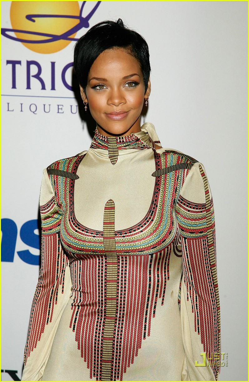 rihanna clive davis pre grammy party 03919751