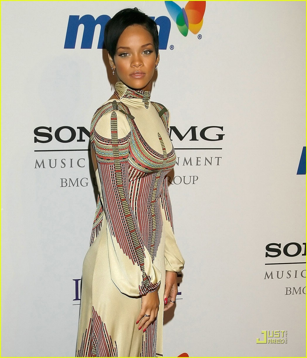 rihanna clive davis pre grammy party 05919771