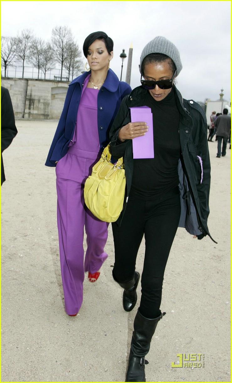 rihanna paris fashion week 02965901