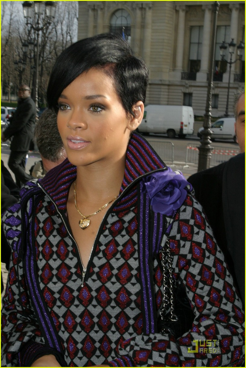 rihanna paris fashion week 05965931