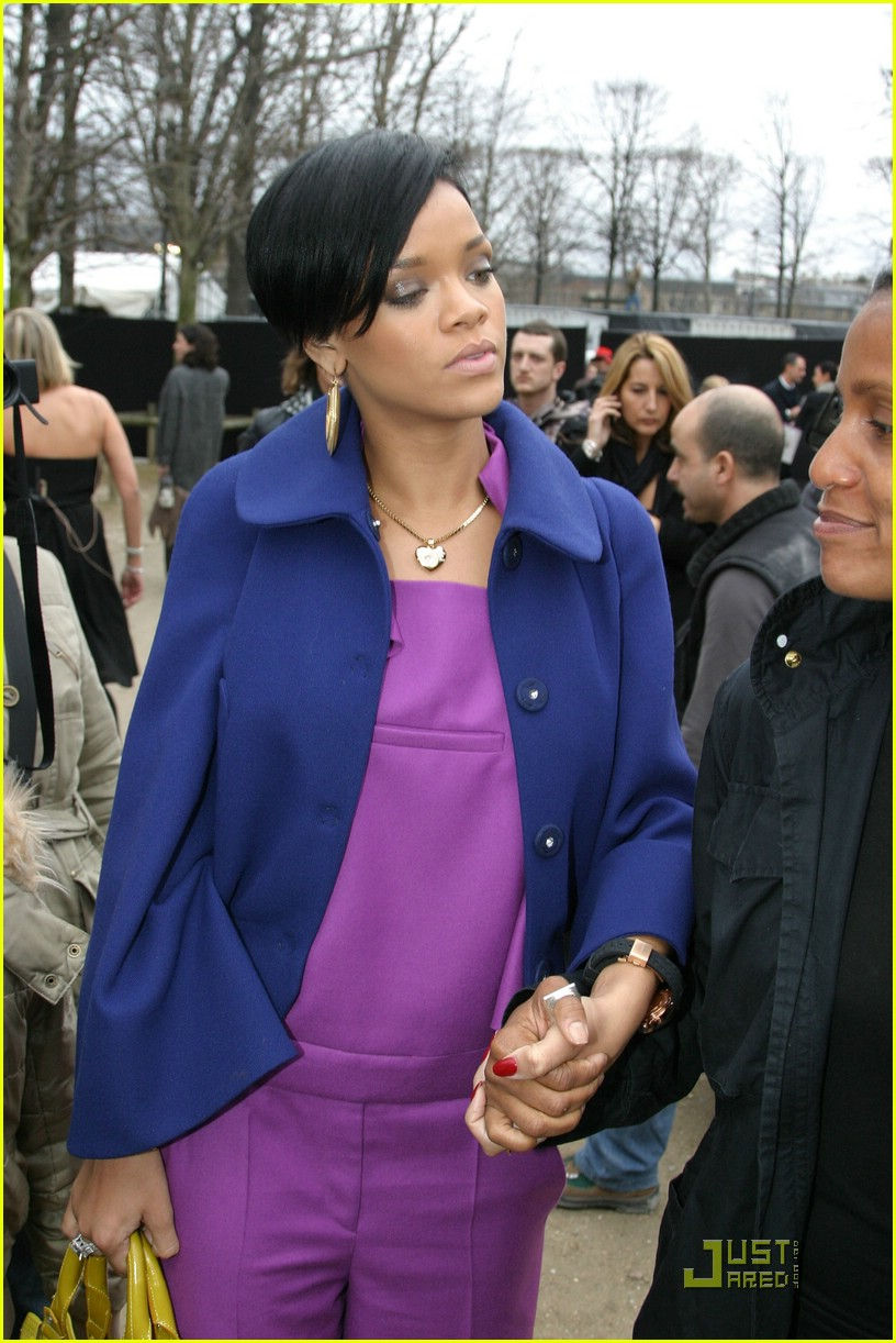 rihanna paris fashion week 10965981