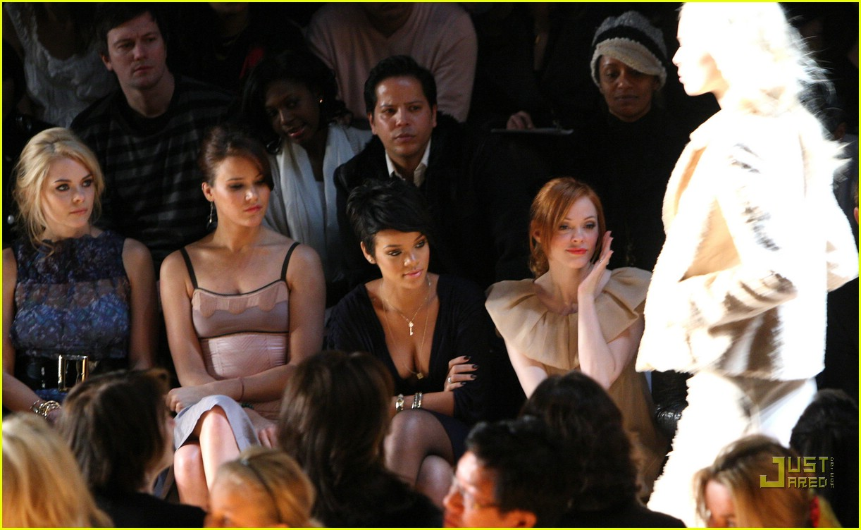 rihanna ny fashion week 50907231