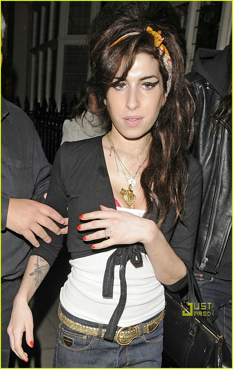 amy winehouse dentist 03918201
