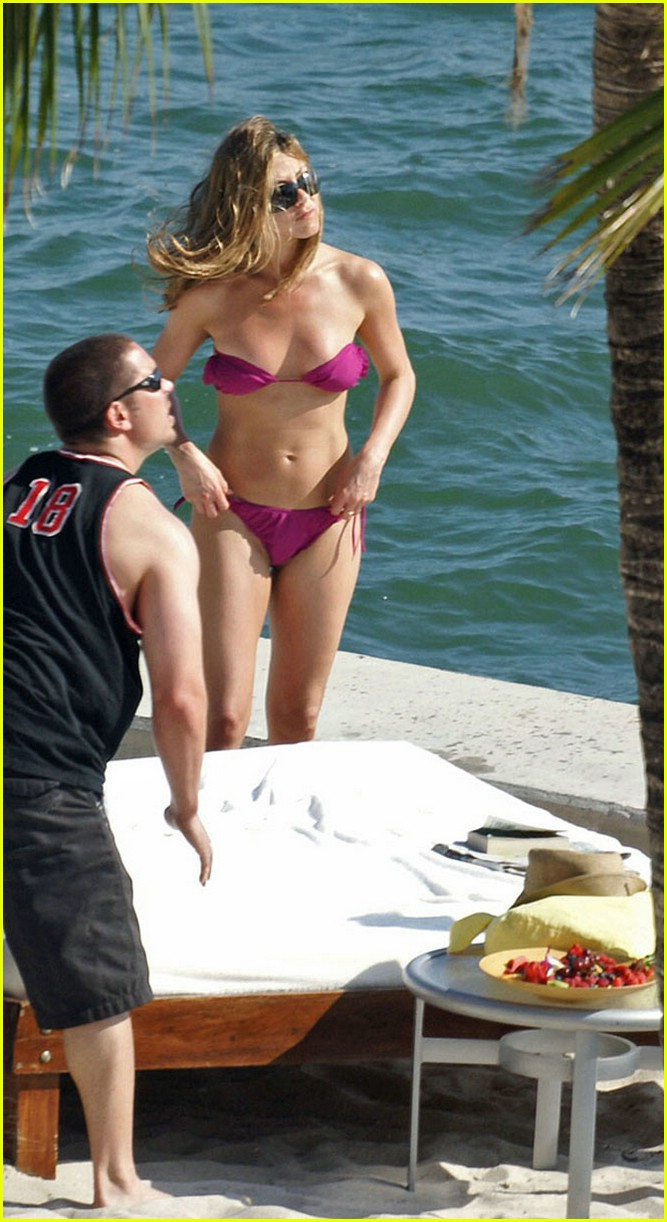 jennifer aniston bikini barely there 03