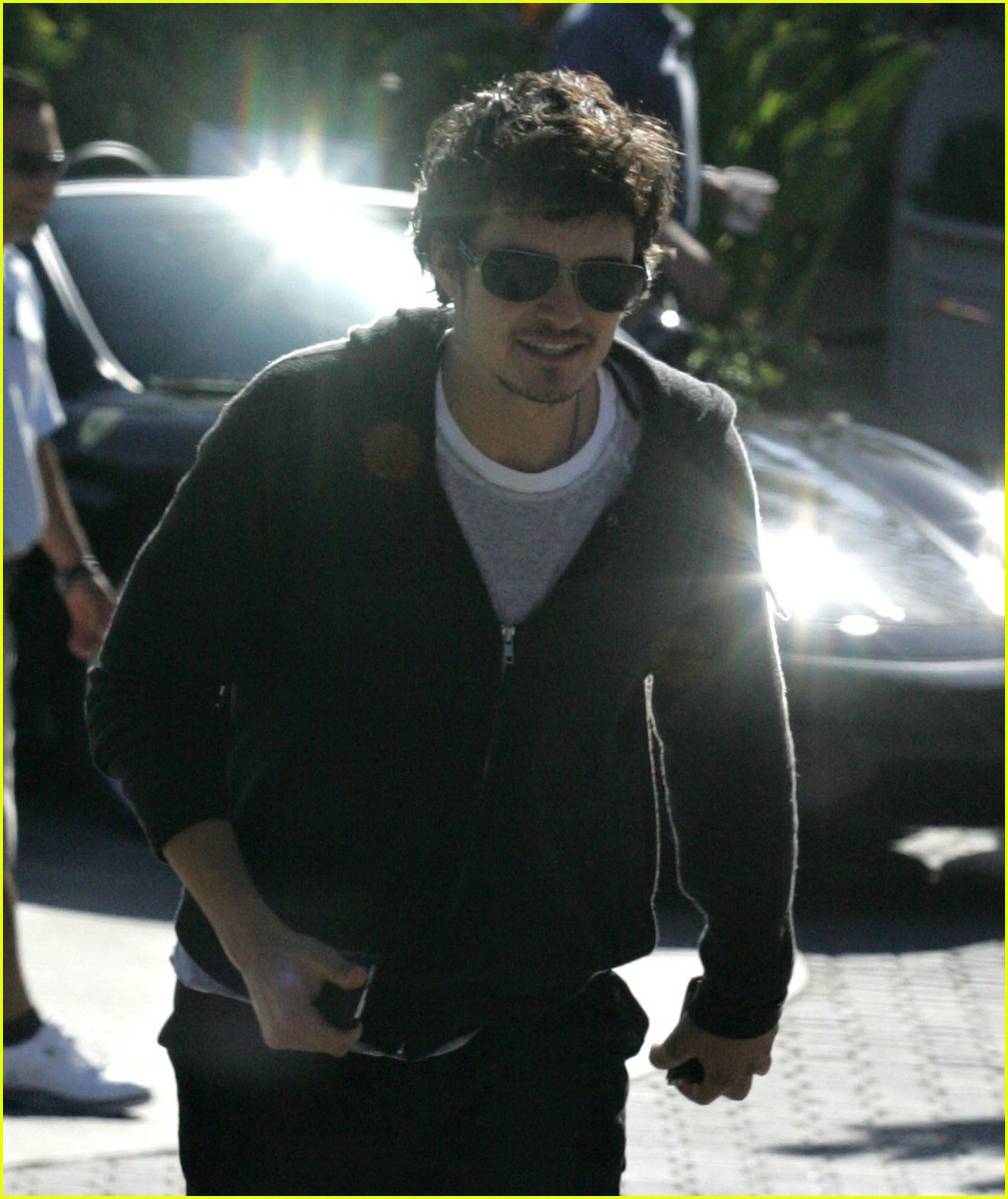 orlando bloom behind 071000331