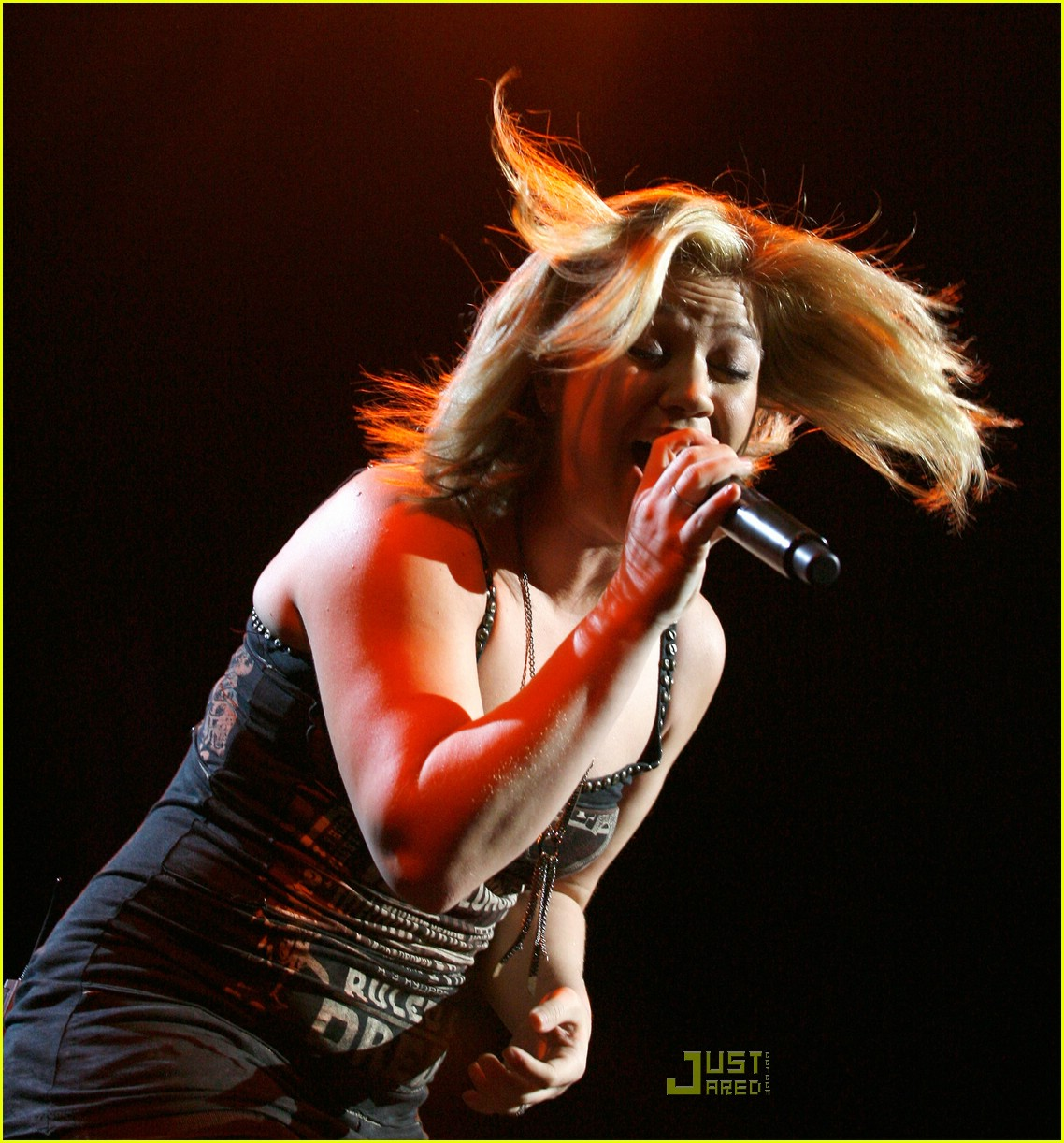 Kelly Clarkson Is Super In Sydney: Photo 977601