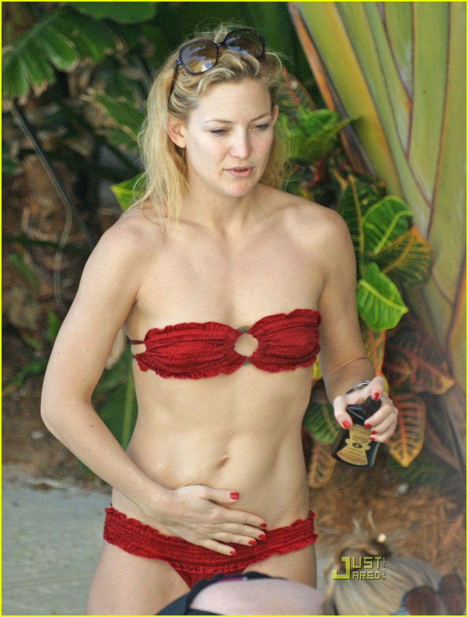 kate hudson ryder pool 01