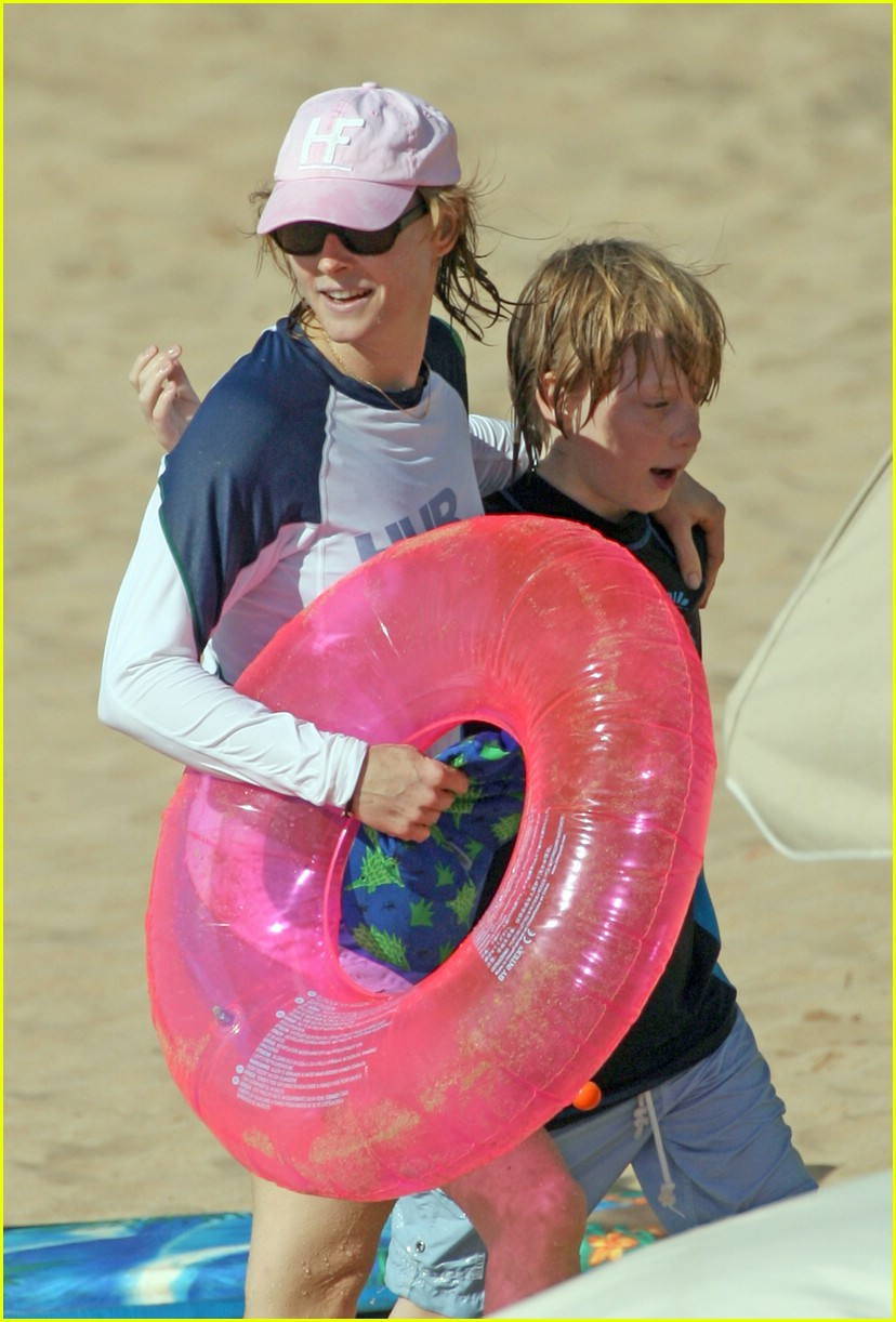 jodie foster easter 041016531