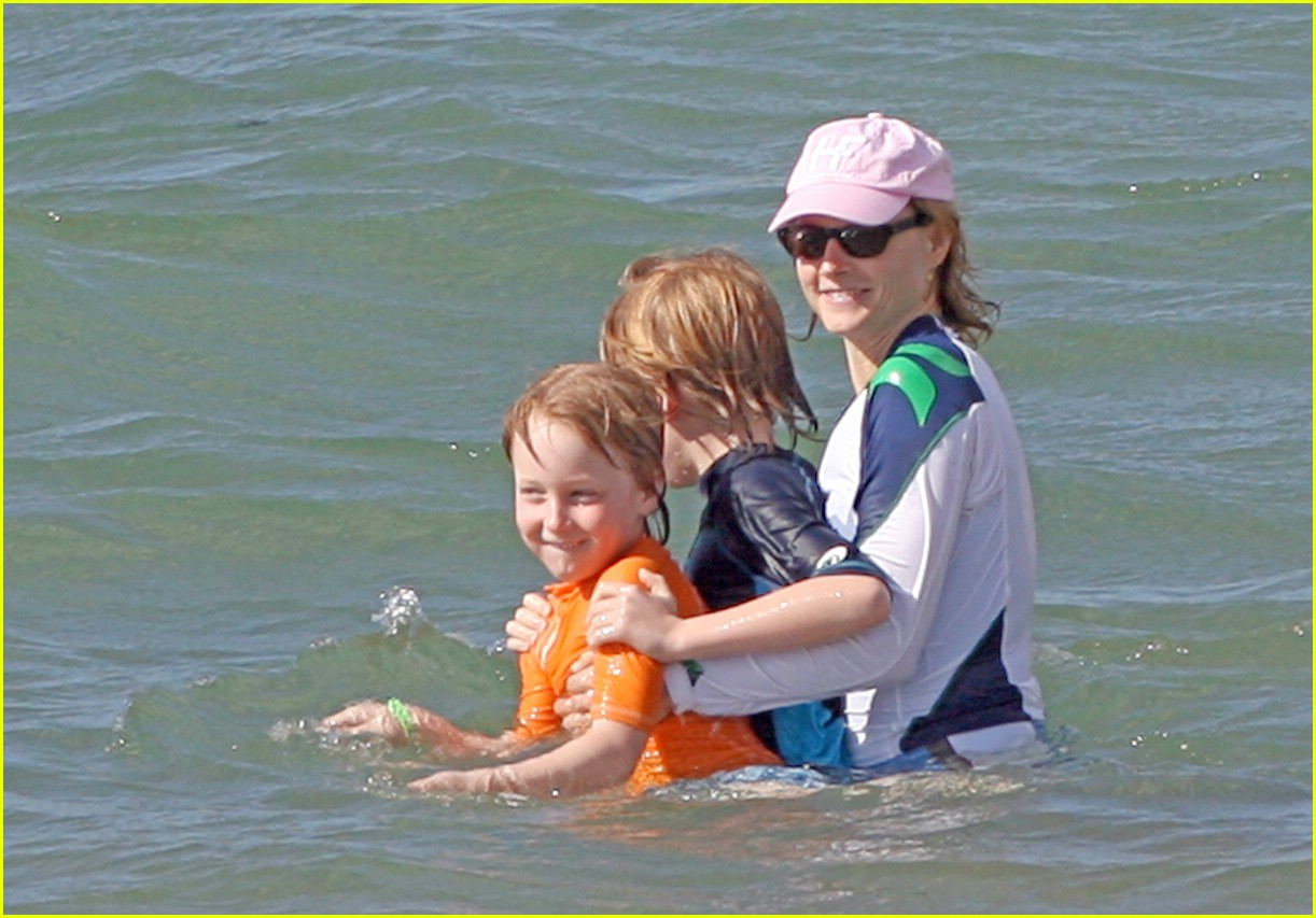 jodie foster easter 13