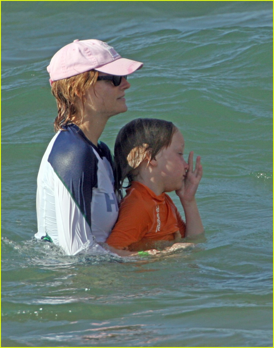 jodie foster easter 221016711