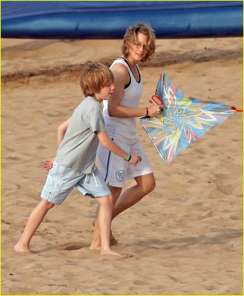 jodie foster kite 081019491