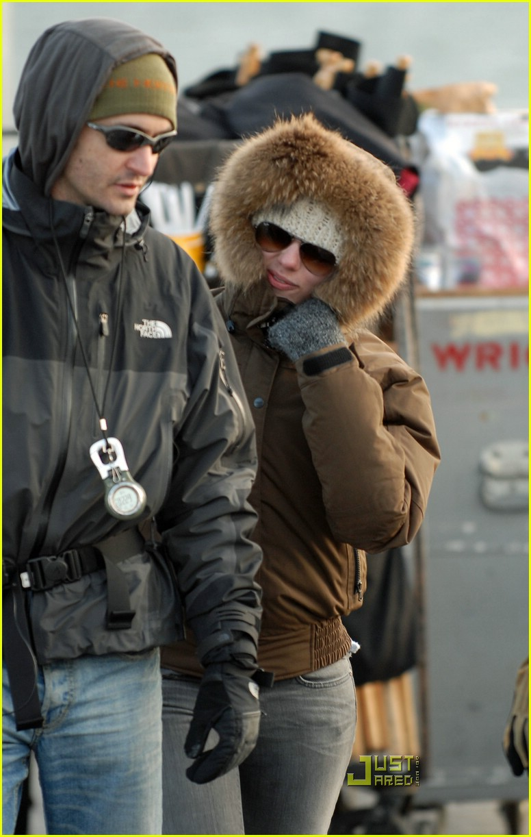 Scarlett Johansson Is Bundled Up In Brooklyn Photo 987251