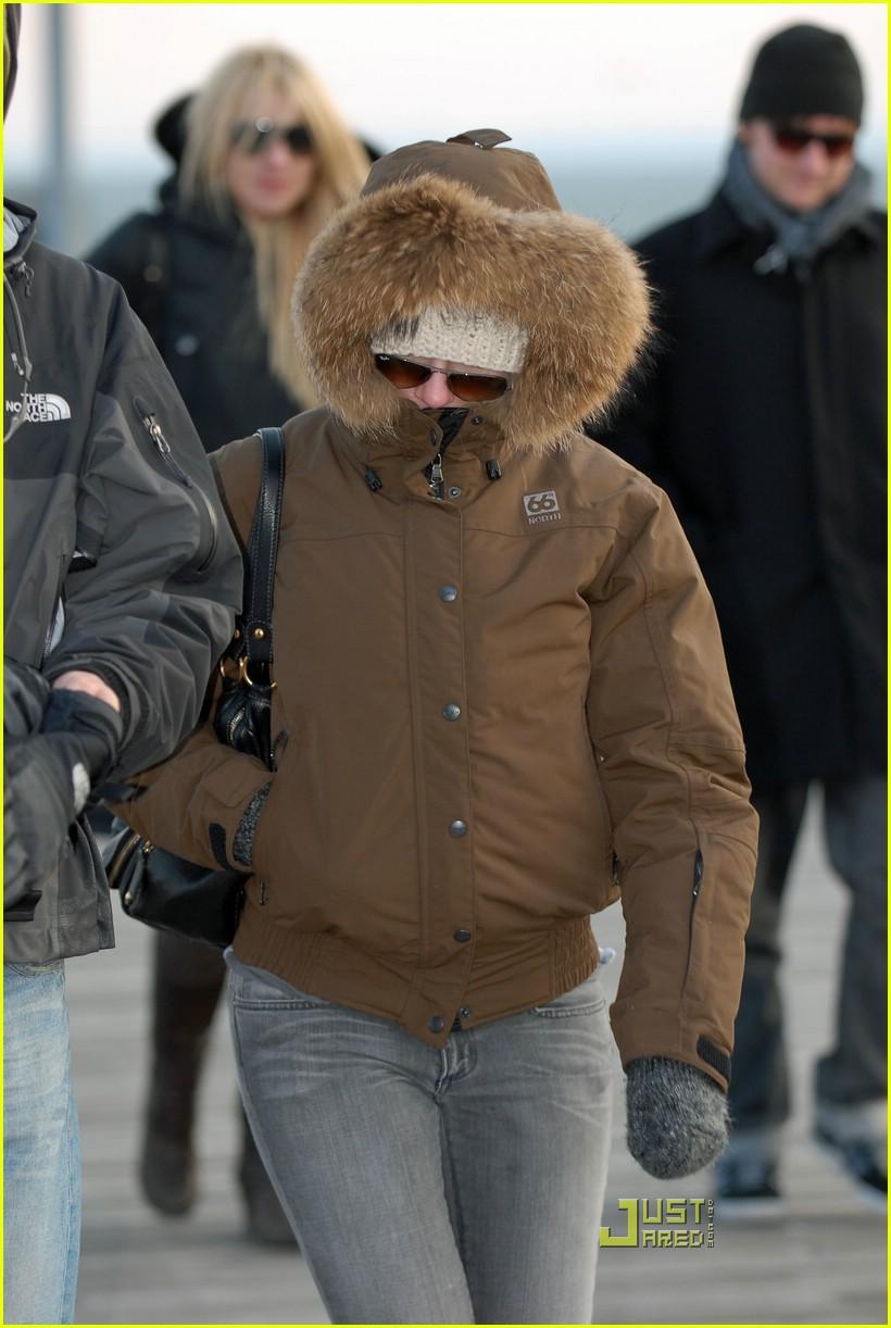 scarlett johansson eskimo 06987291