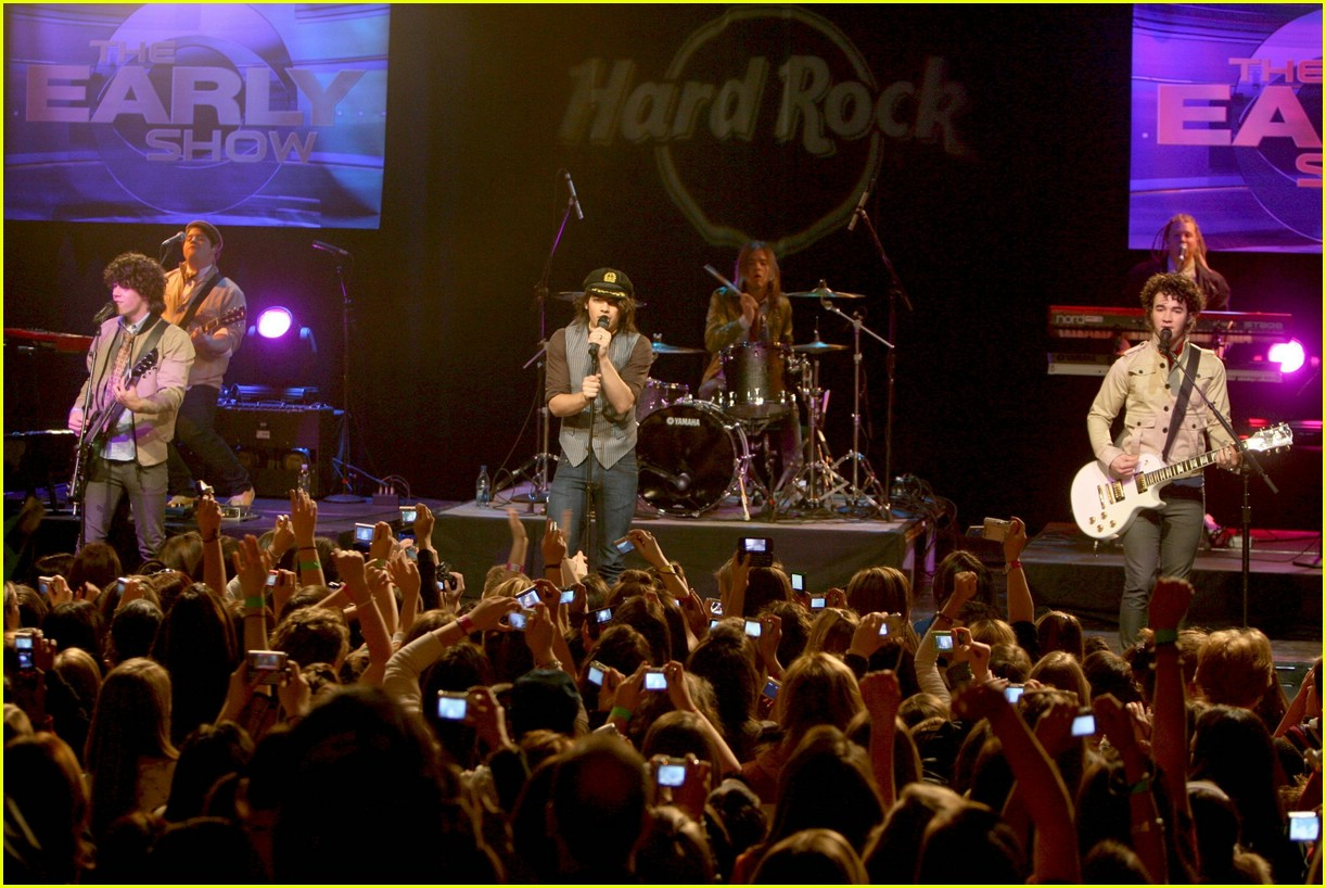 jonas brothers hard rock cafe 651012061