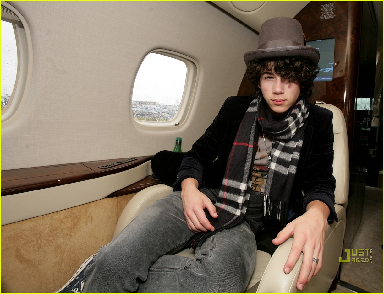 jonas brothers private jet 15982921