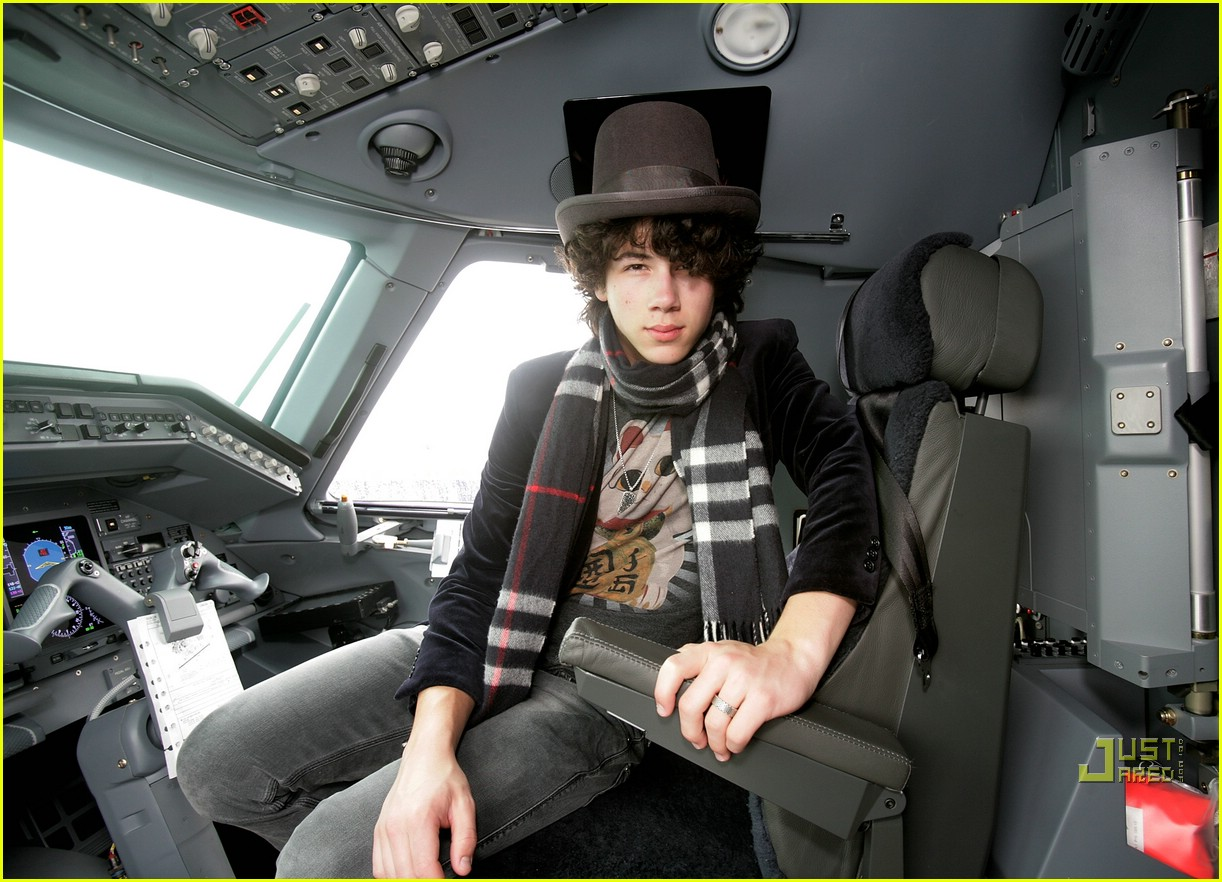 jonas brothers private jet 17982941