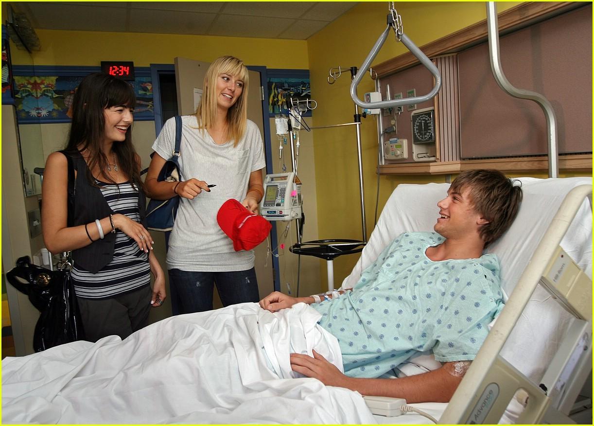 maria sharapova hospital 10