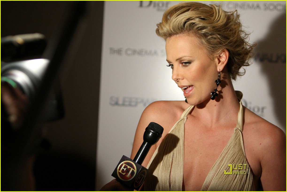 charlize theron sleepwalking premiere new york 18988271