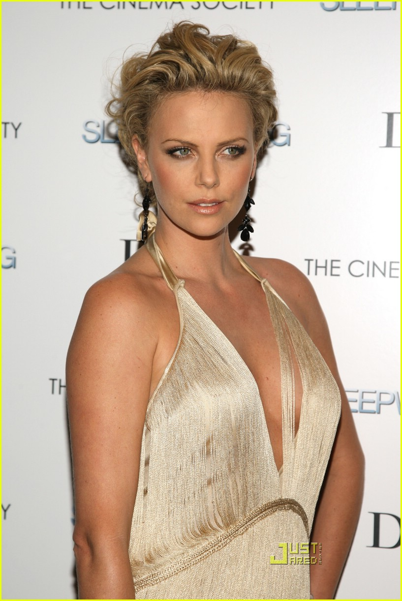 charlize theron sleepwalking premiere new york 32988411