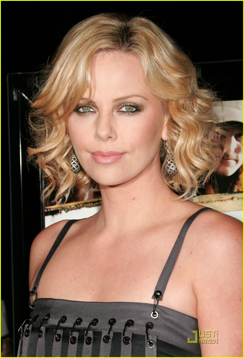 charlize theron sleepwalking premiere 07