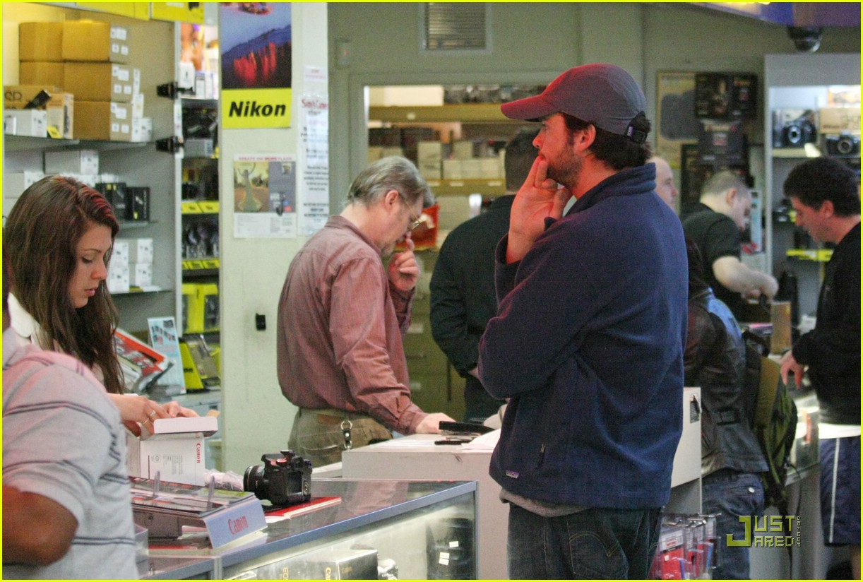 tom welling camera shop stop 04969061