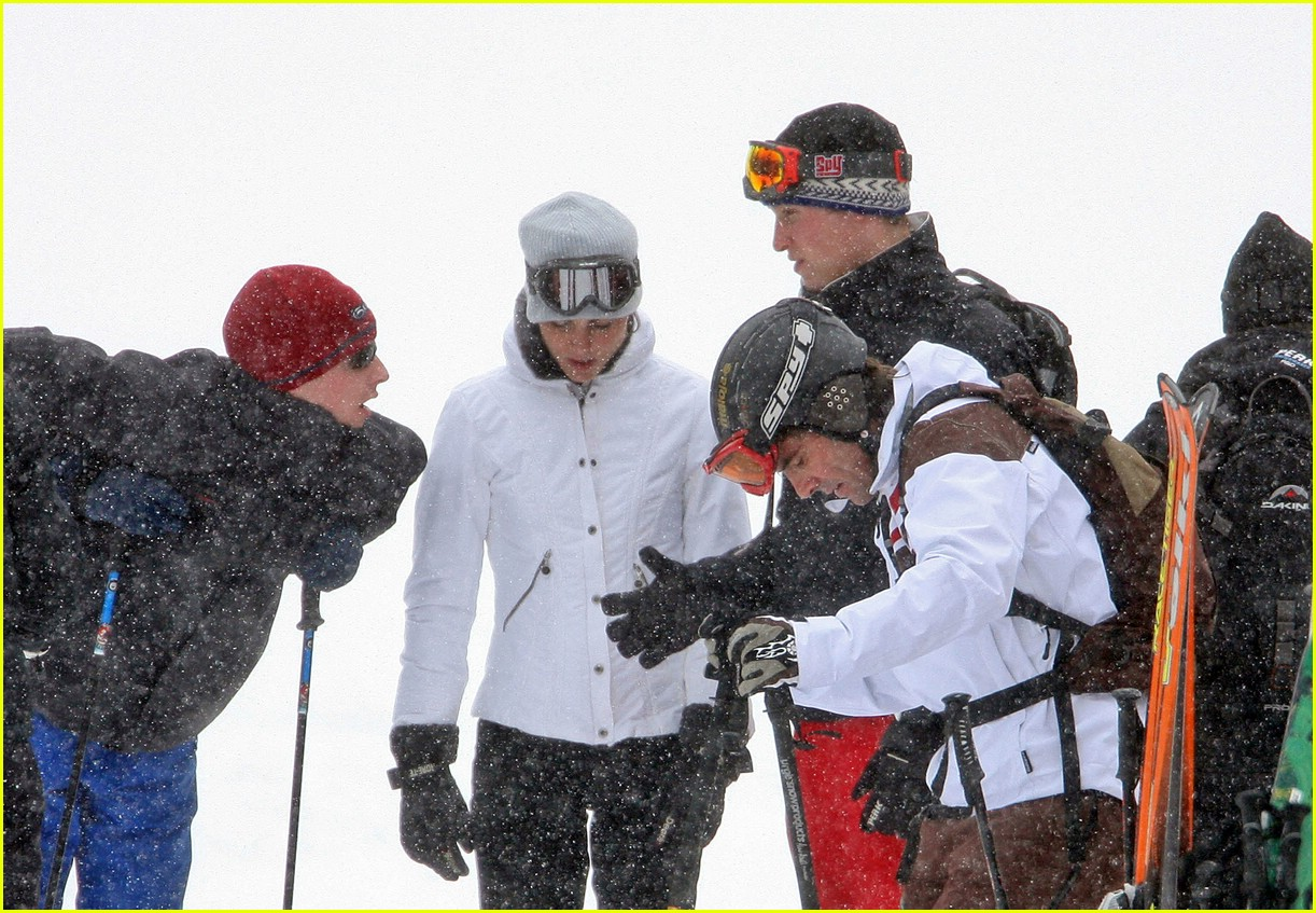 prince william kate middleton skiing 051001191