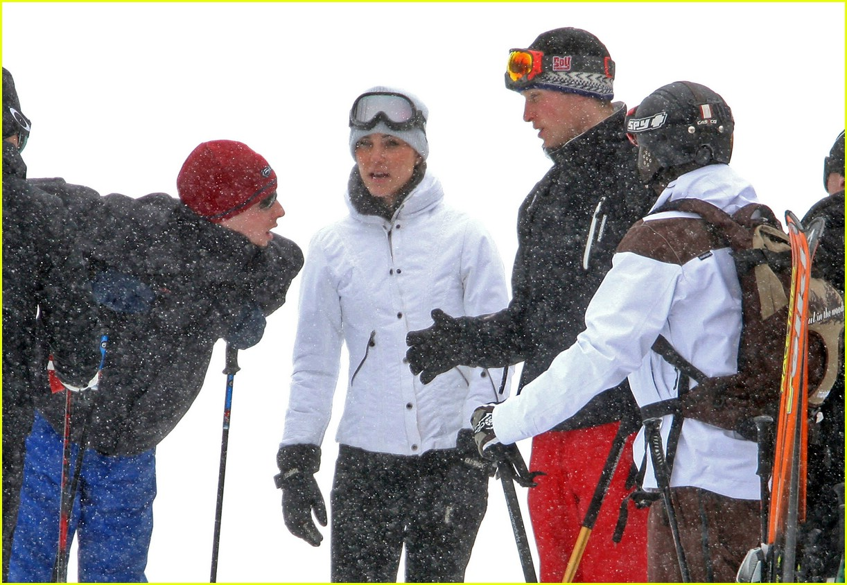 prince william kate middleton skiing 081001221