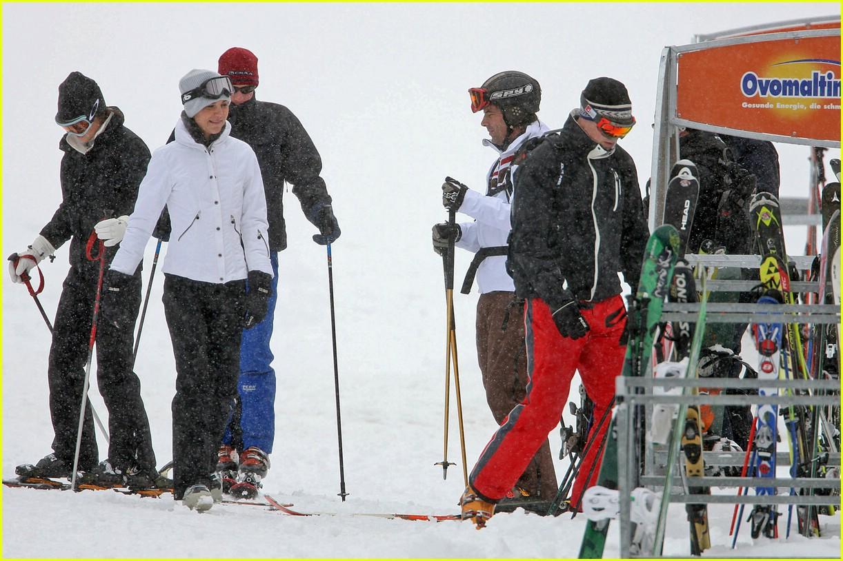 prince william kate middleton skiing 131001271