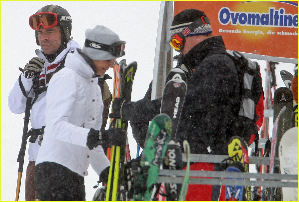 prince william kate middleton skiing 14