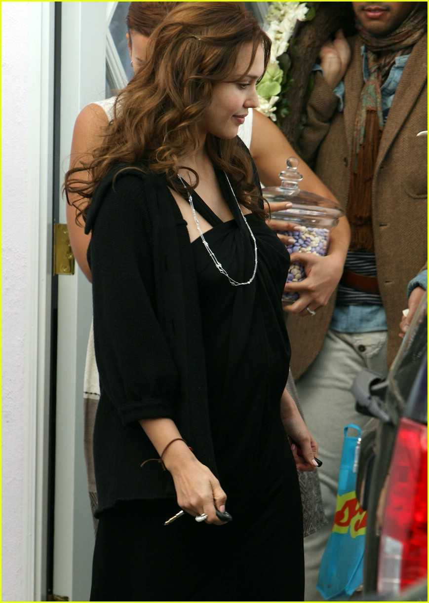 jessica alba baby shower 071048391