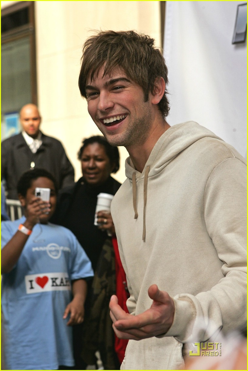 chace crawford wii wheel 07