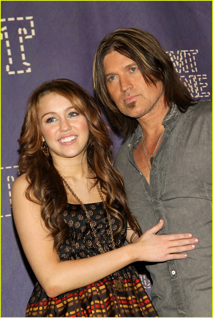 miley cyrus cmt performance 2008 39