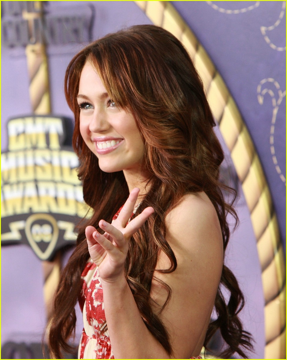 miley cyrus cmt performance 2008 46