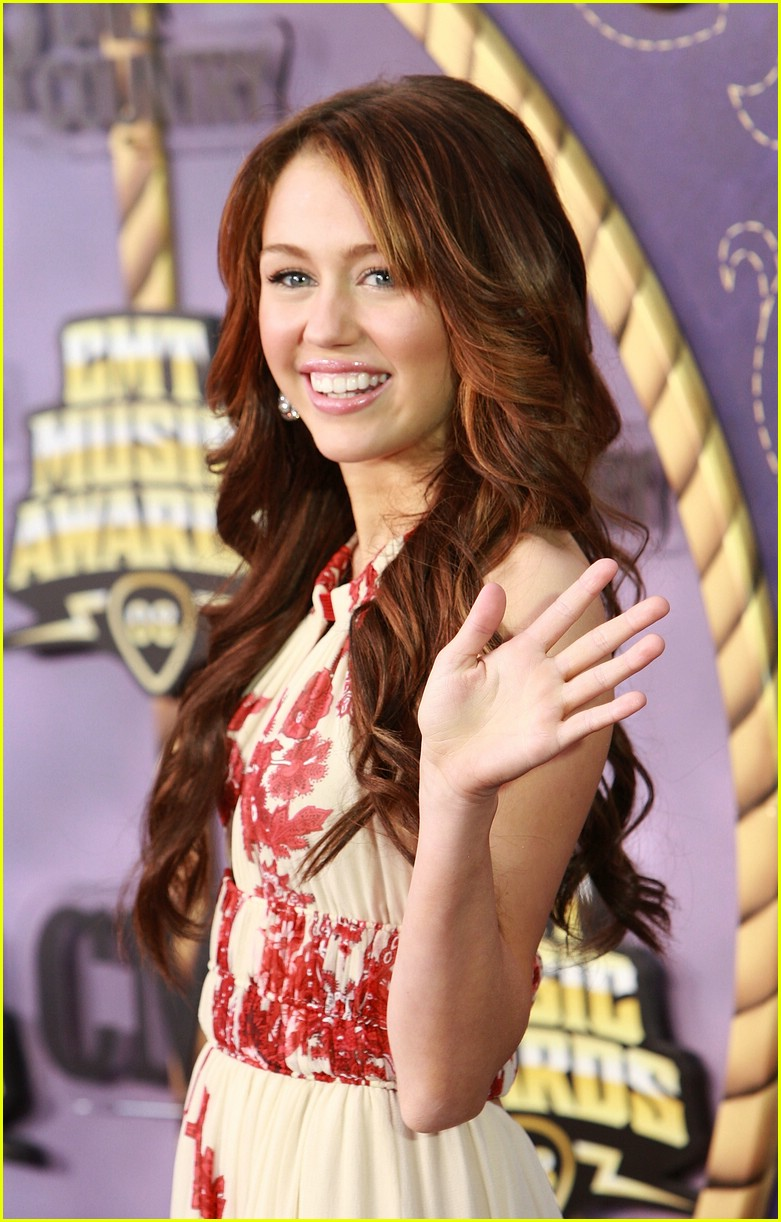 miley cyrus cmt performance 2008 48