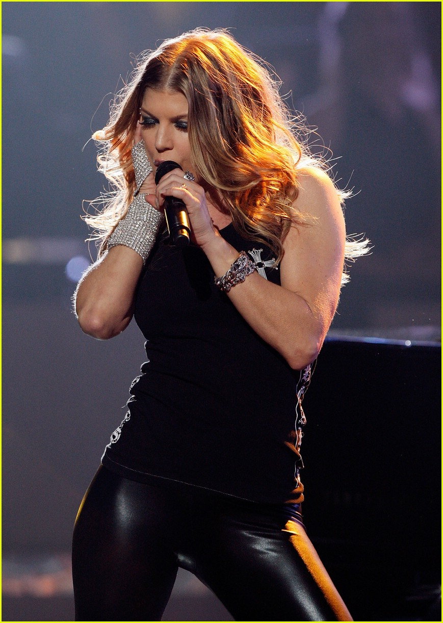 Fergie @ Idol Gives Back: Photo 1050361 | American Idol ... Fergie Fergalicious