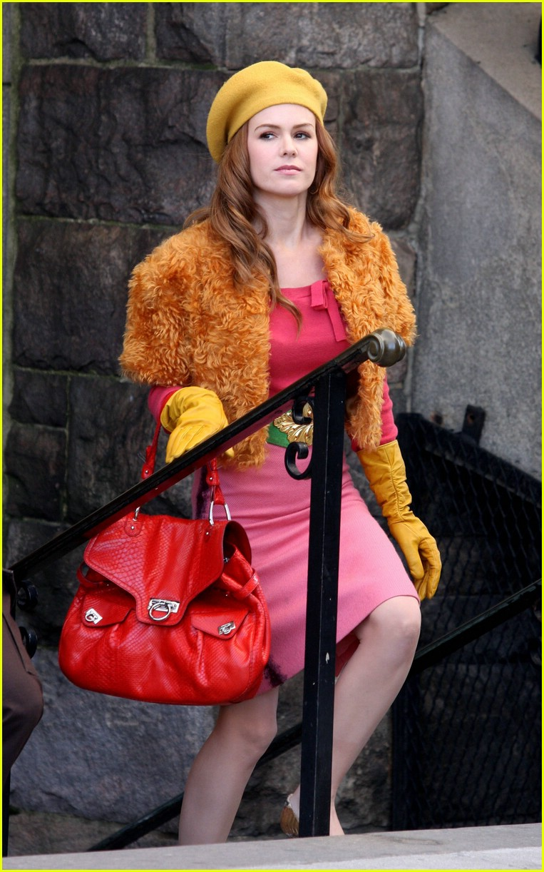 isla fisher shop too much 051068651