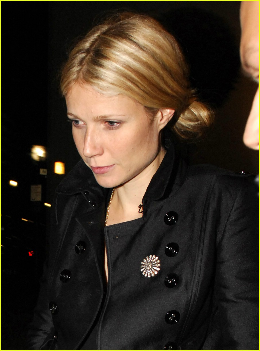 gwyneth paltrow food bank donation 201080481