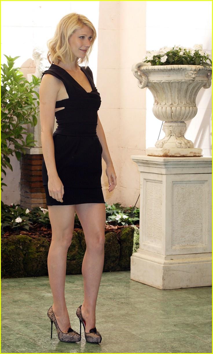 [Image: gwyneth-paltrow-rome-22.jpg]