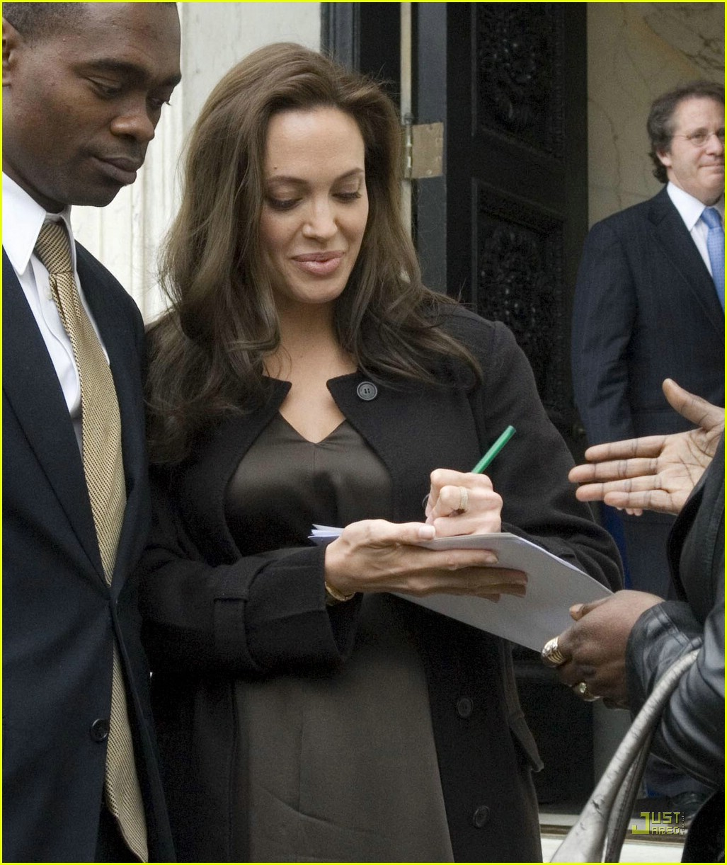 angelina jolie washington club 031053241