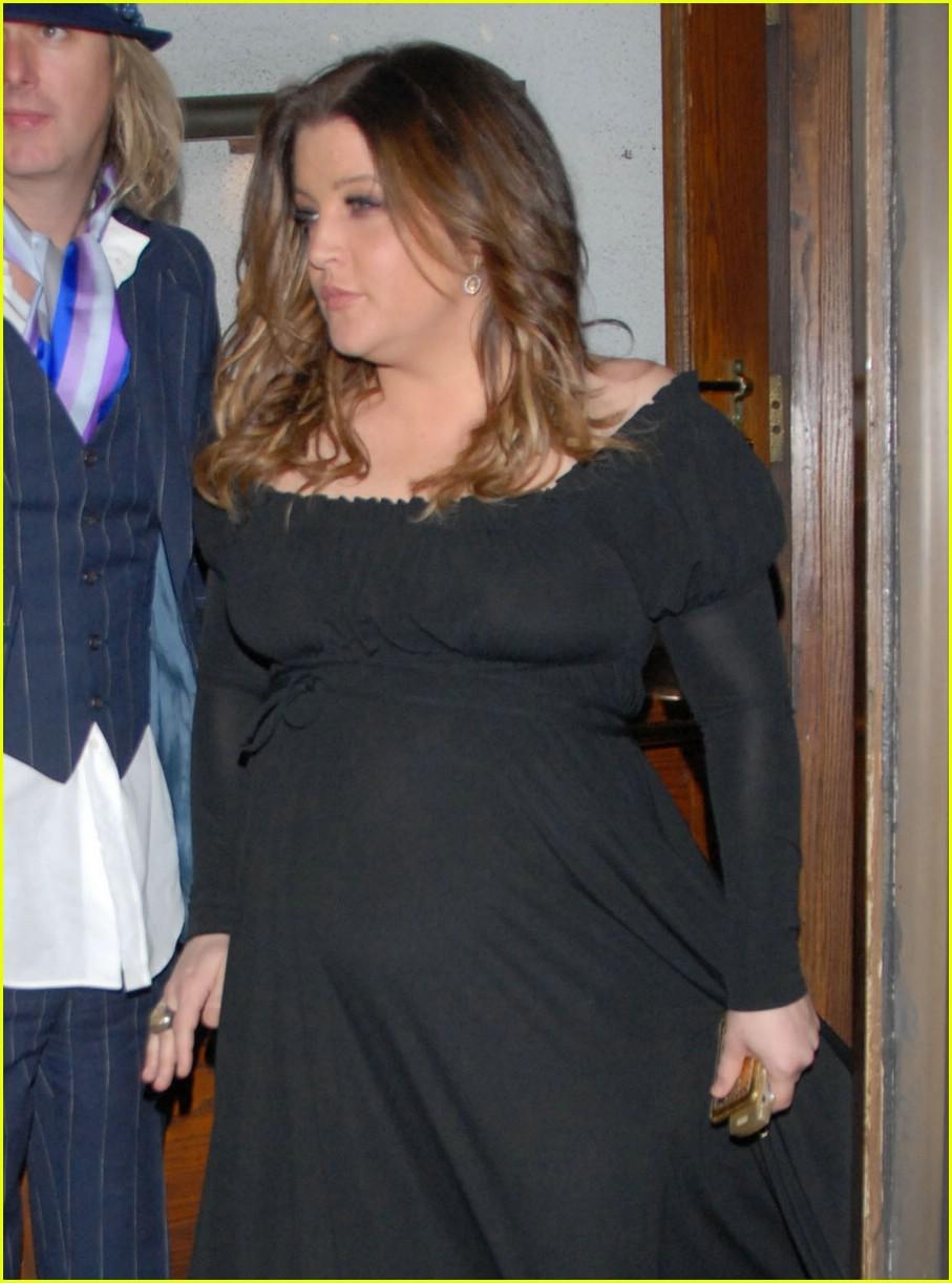 lisa marie presley baby bump 041052941