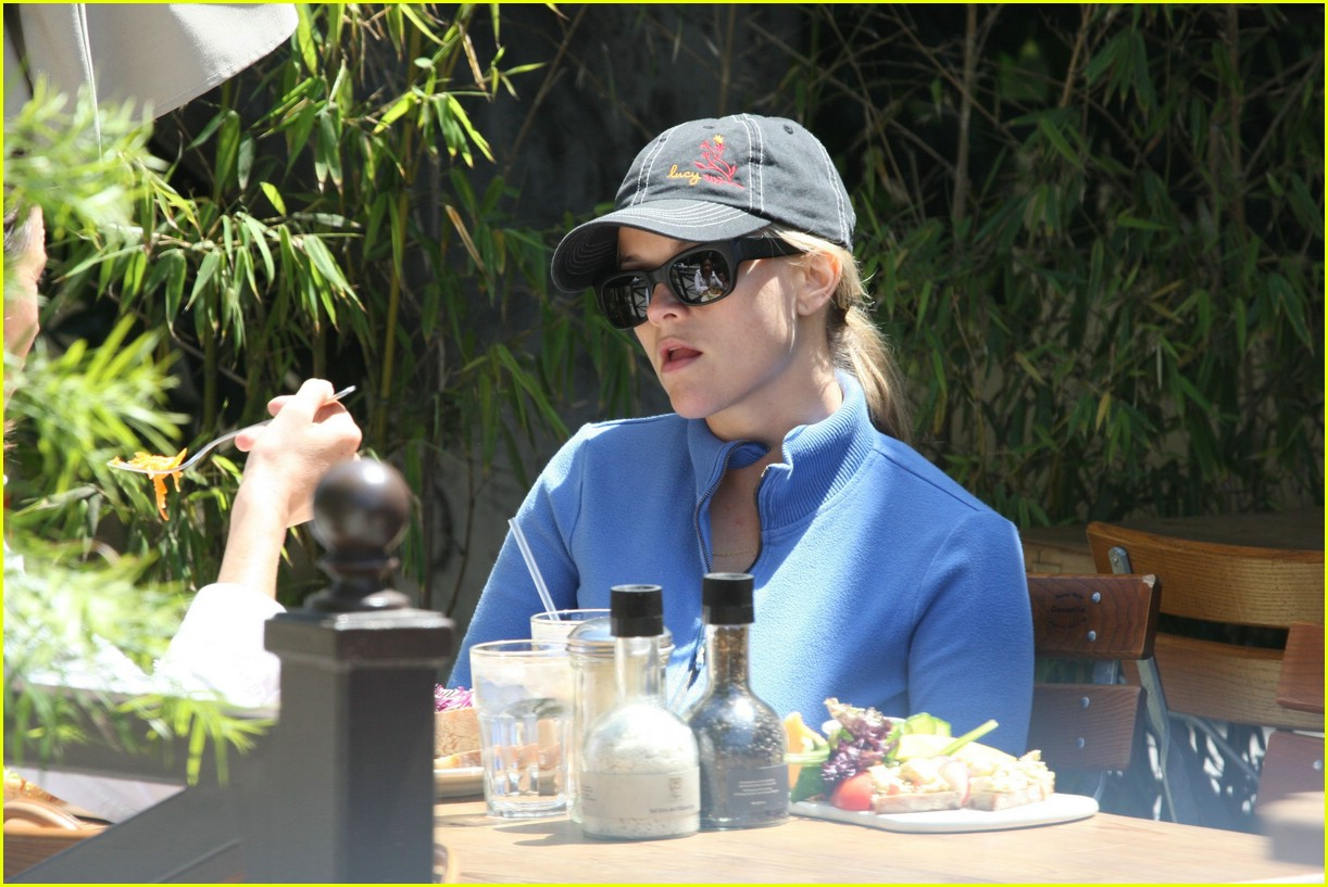 reese witherspoon lunch 011070841