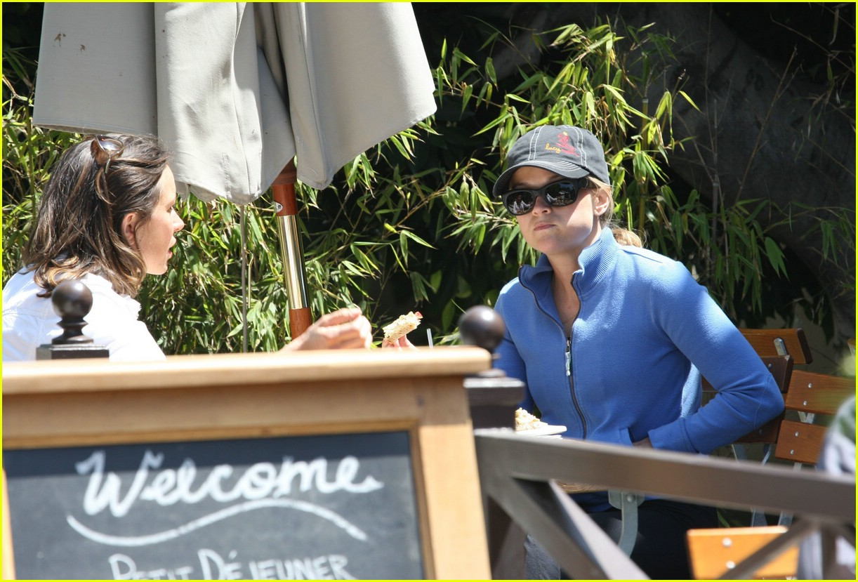 reese witherspoon lunch 031070861